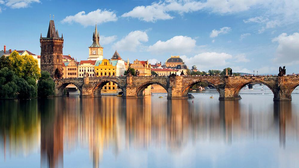 Zwiedzanie Pragi most karola z kotliny kłodzkiej