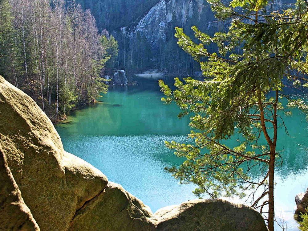 adrspach zwiedzanie skalnego miasta jezioro